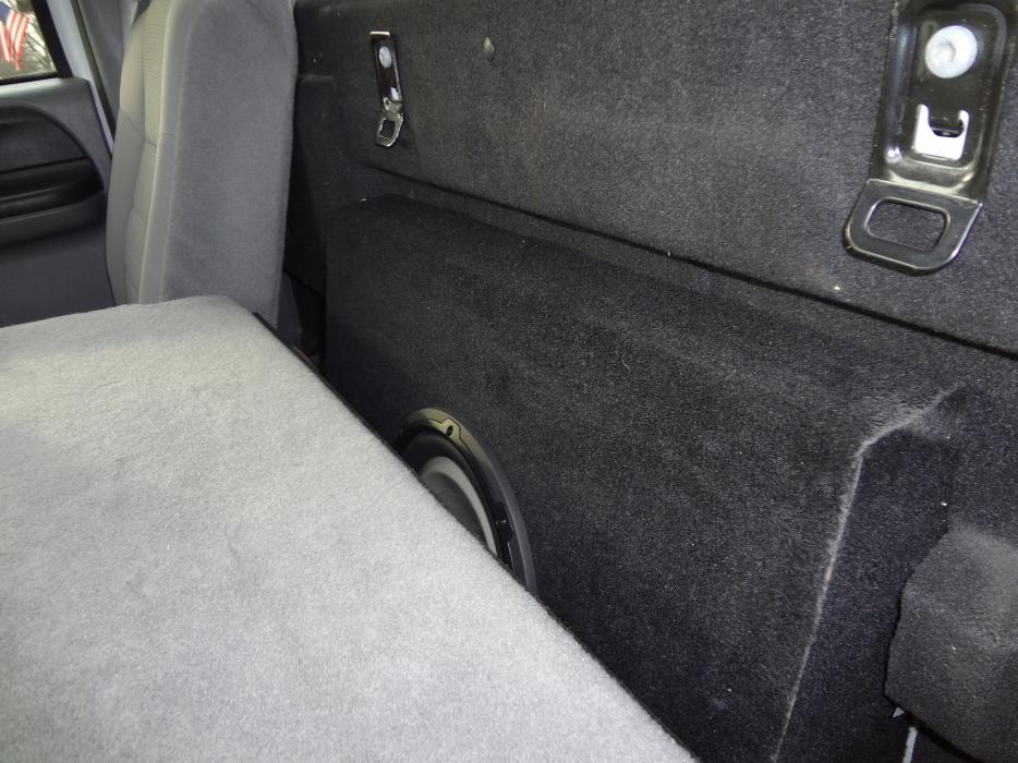 Picsdescription of audio upgrade in 20F2CC - Ford Truck