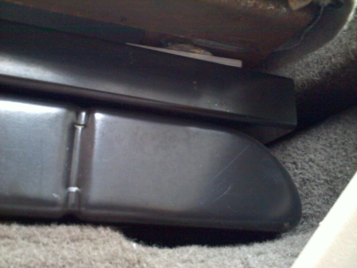 Rear seat mod to fit bigger sub box-072.jpg