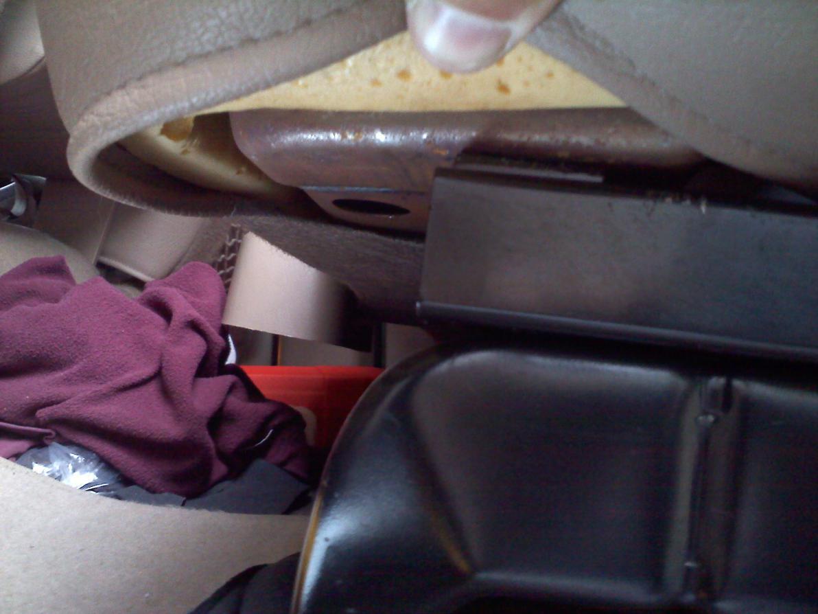 Rear seat mod to fit bigger sub box-074.jpg