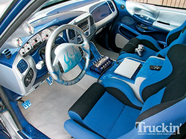 INTERIOR SPEAKER PROJECT-0902tr_04_z-1997_ford_f150-custom_interior.jpg