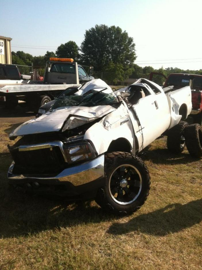 Wreck Pics and new truck - Ford Powerstroke Diesel Forum