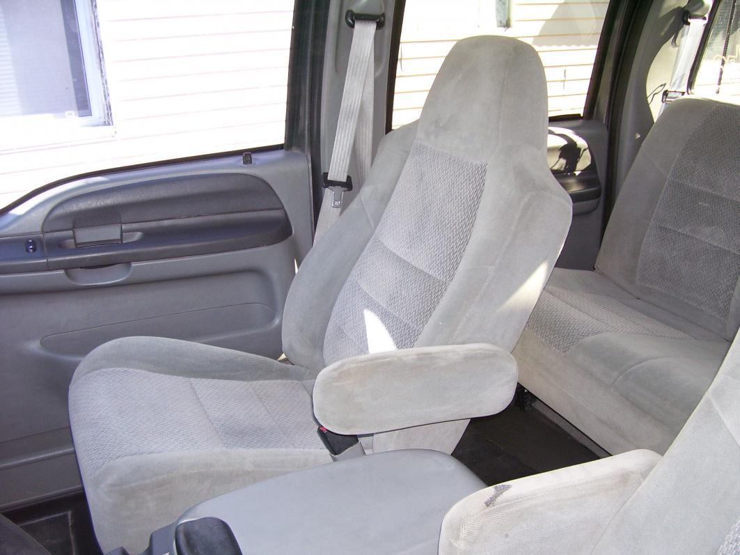 WANTED: Grey Leather Seats Sale or Trade!!!-100_1809.jpg