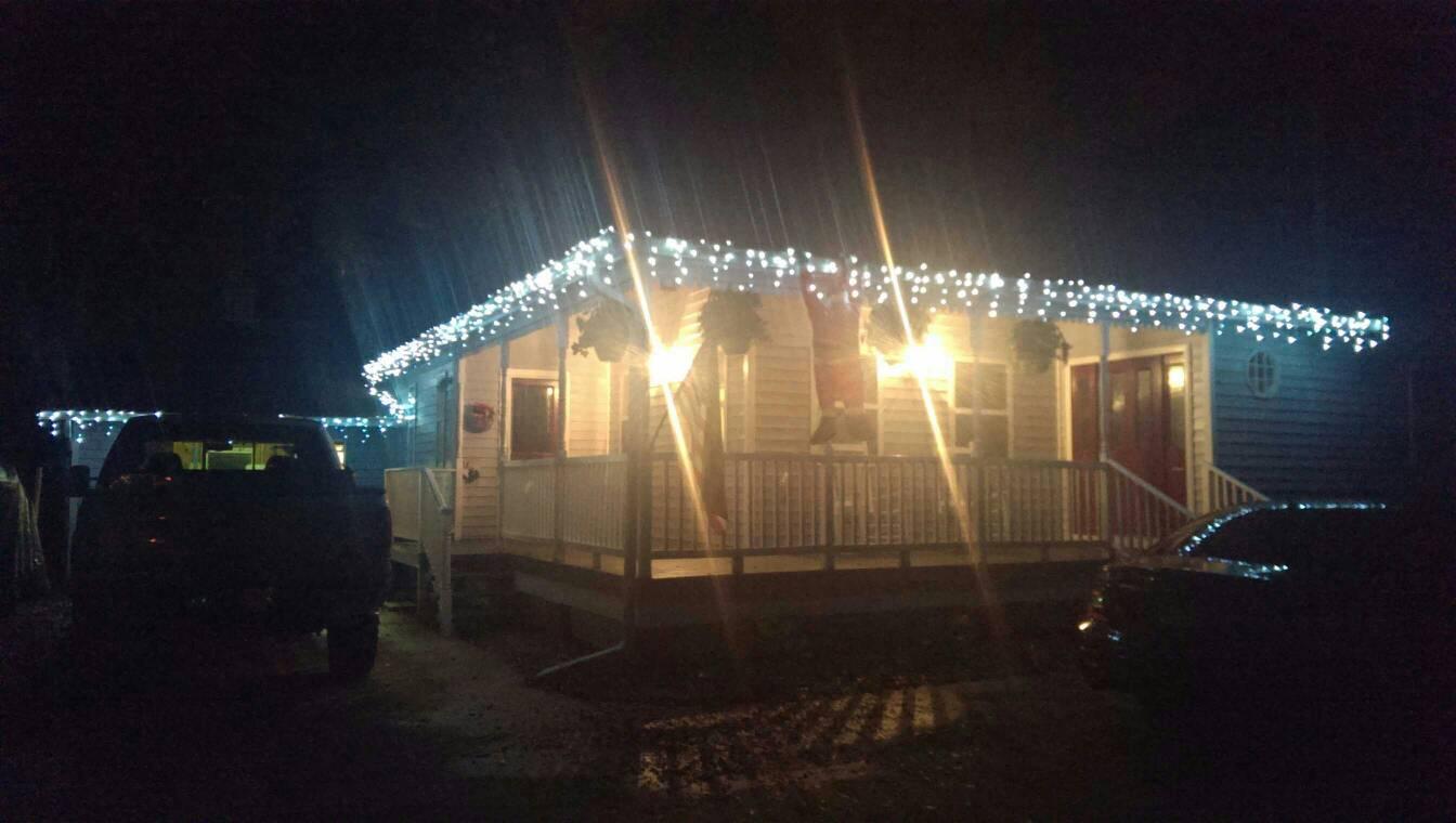 Christmas lights-1384904191367.jpg