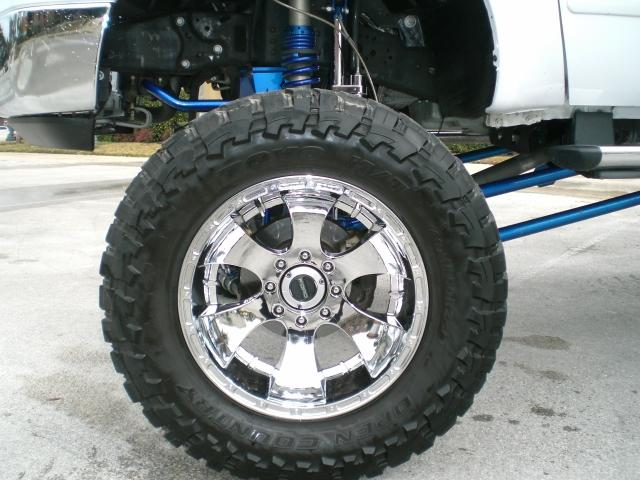 Anybody have any idea who makes this lift kit?-1ftsw21px6ed03684_001_lg.jpg