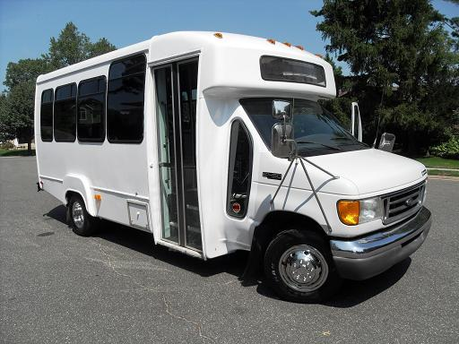 7.3l bus as a toy hauler?-2003forde4500-420.jpg