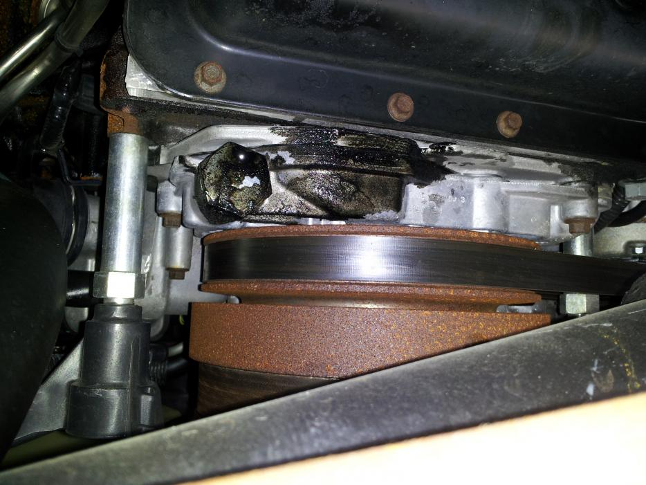 Oil leak with a pic.-20120524_175149.jpg