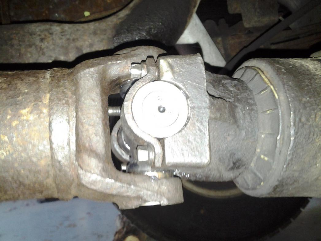 How to change drive shaft u joint