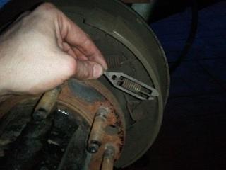 rear drum brake-2013-01-06-18.04.18-copy.jpg