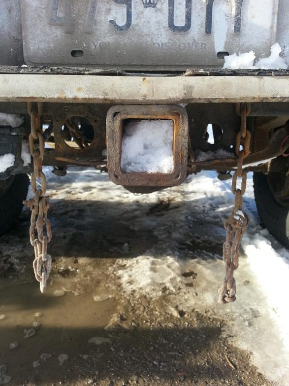 Anyone able to help identify a hidden hitch tow capacity?-20130304_163021.jpg