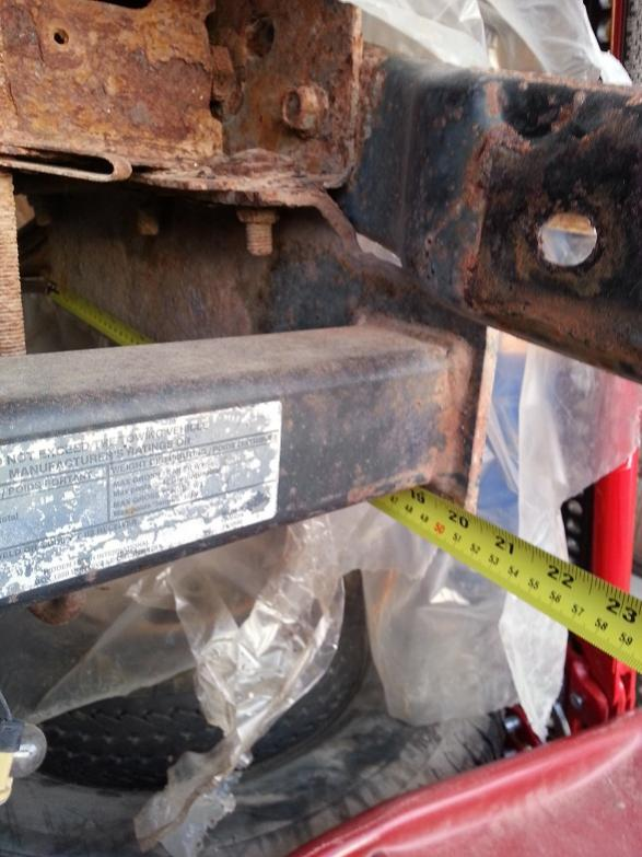 Anyone able to help identify a hidden hitch tow capacity?-20130304_174354.jpg