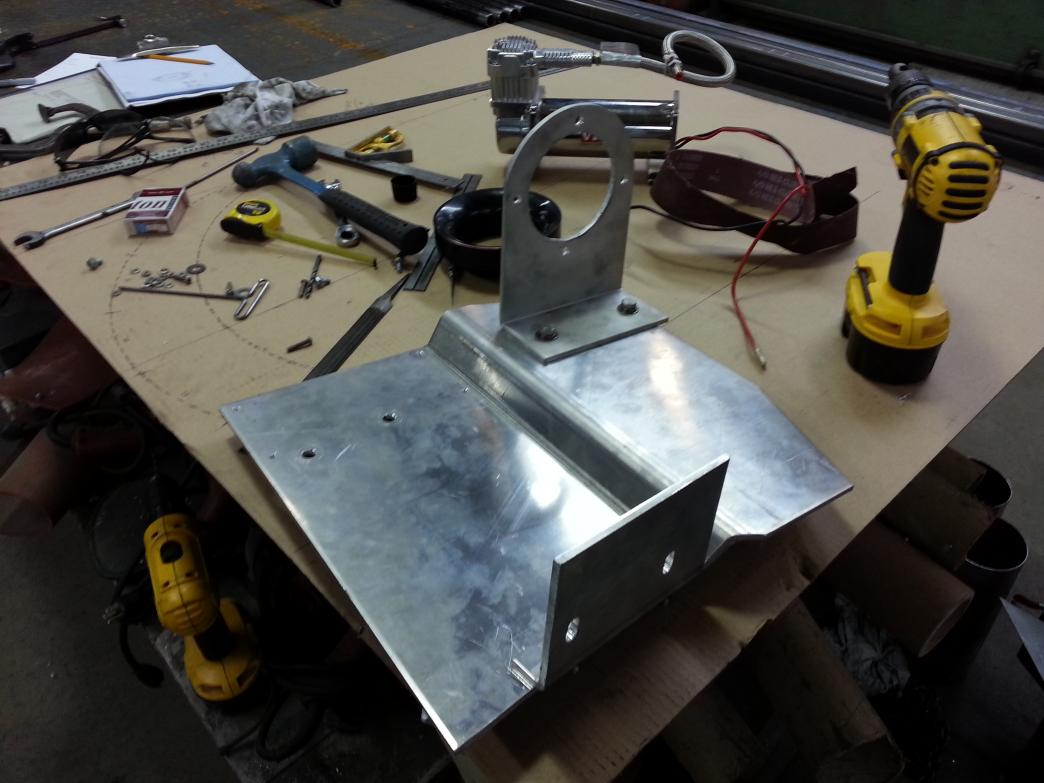 custom battery tray-20130504_115026.jpg