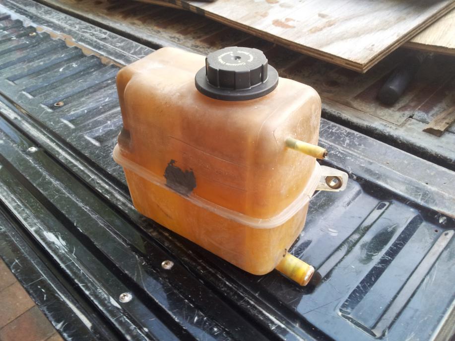 Coolant reservoir!-20130517_194753.jpg