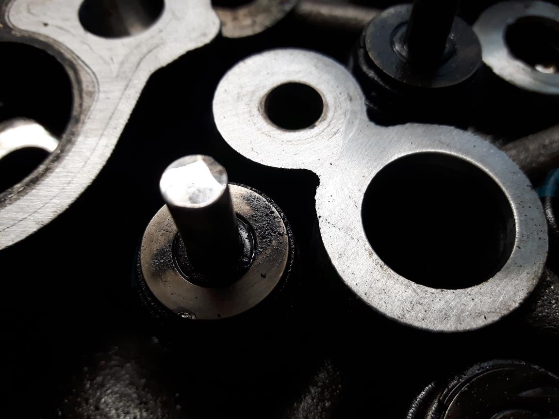 6.7 Powerstroke Oil Change >> 6.7 POWERSTROKE ROCKER ARMS BROKEN !!!! - Page 4 - Ford ...