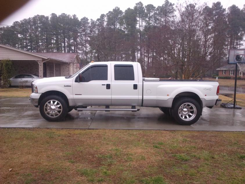 Pictures of 22.5 wheels on dually???? anyone have a stash?-22.5.jpg
