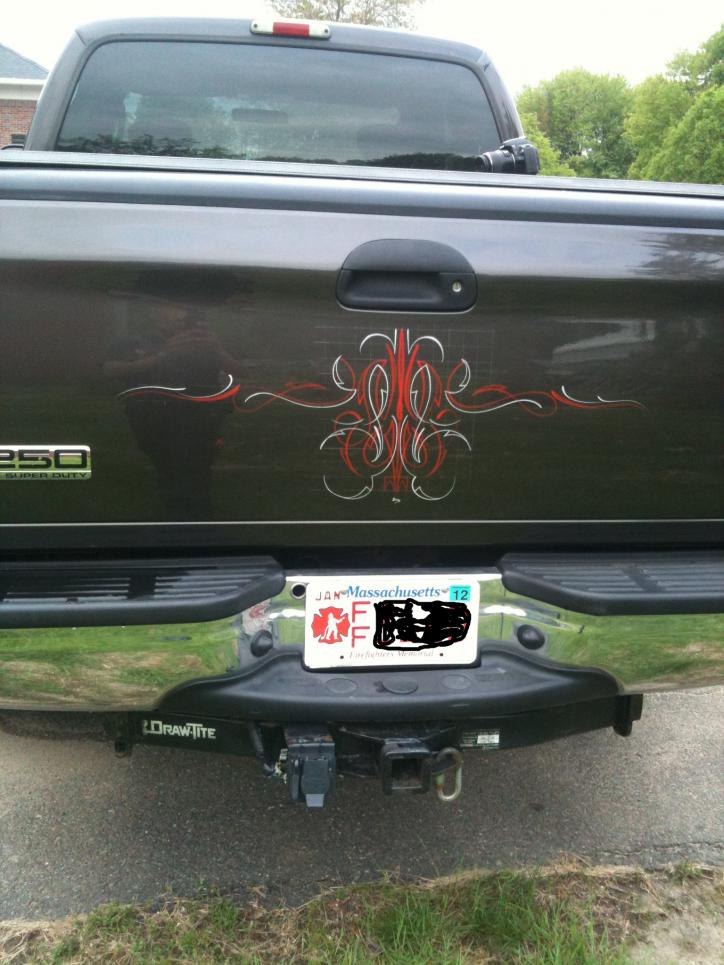 Truck is Pinstriped!-241198_10150185179826058_645111057_7432320_7905962_o.jpg