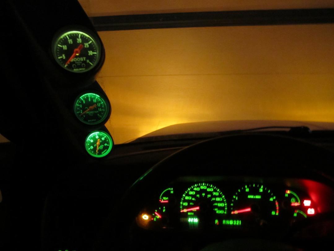 Autometer Gauge Light Choices-3-20diff-20lit.jpg