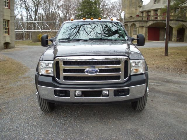 Can you photoshop some harley headlights on my truck for me-580728_519490384785279_1039823657_n.jpg