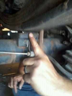 Pro comp traction bars install question..-axle-plate-2.jpg