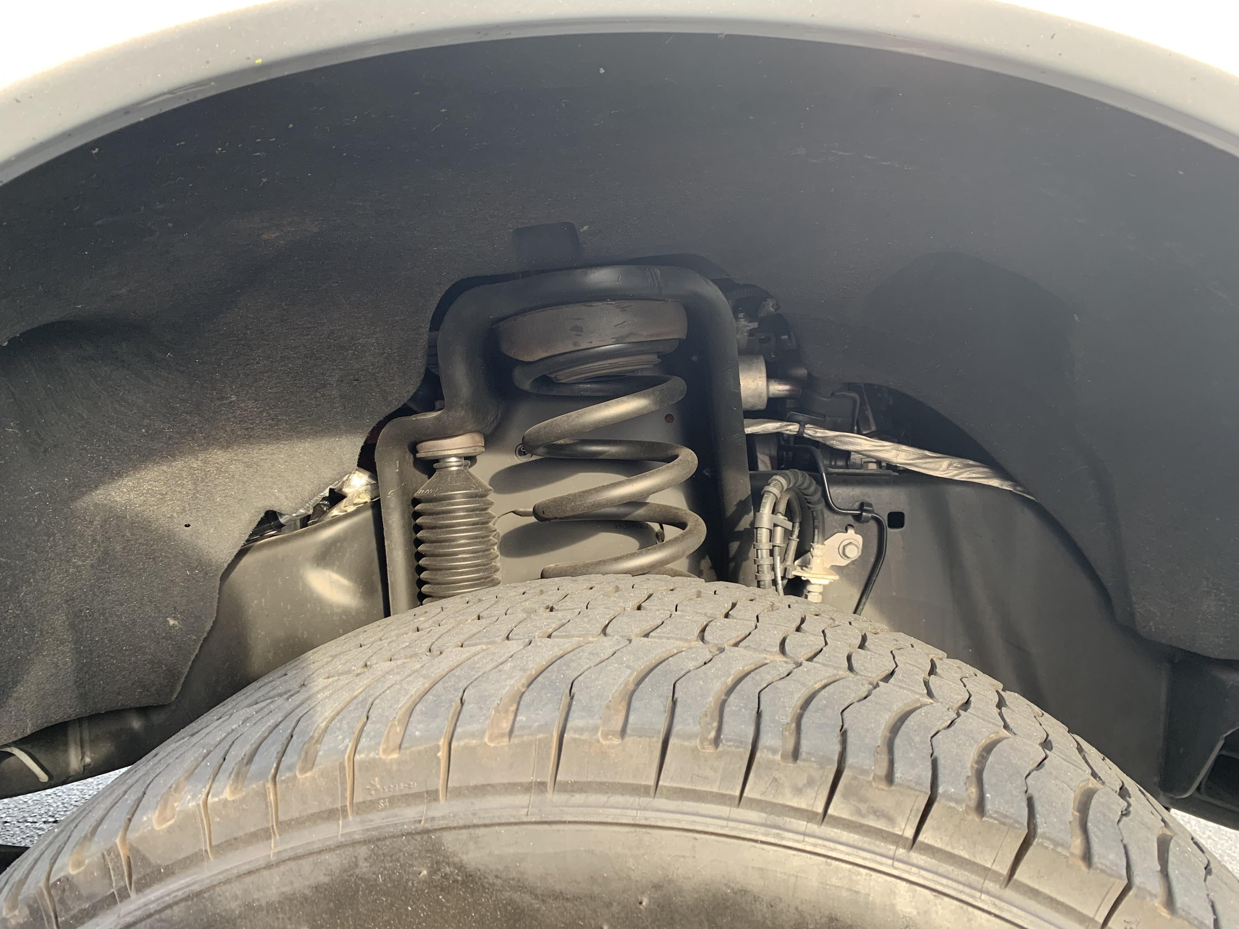 Do I have a level truck and Front left tire sticks out further than right-c1ac6b6c-2ad2-4042-ad6f-0f12c4008578_1559943761358.jpeg