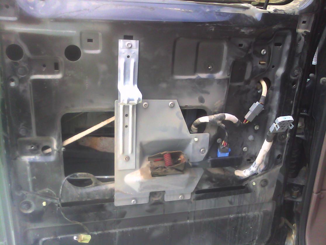 Drivers side rear window motor, 1997 Crew Cab-cimg0042.jpg