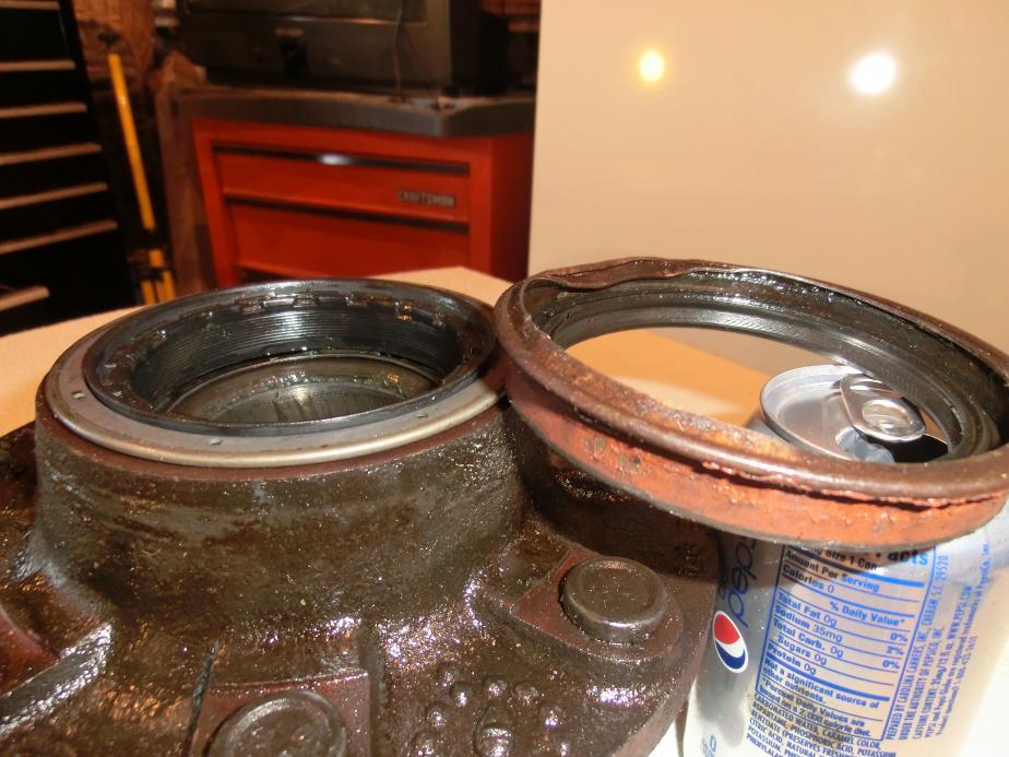 Need help with rear hub seal.-cimg1642.jpg