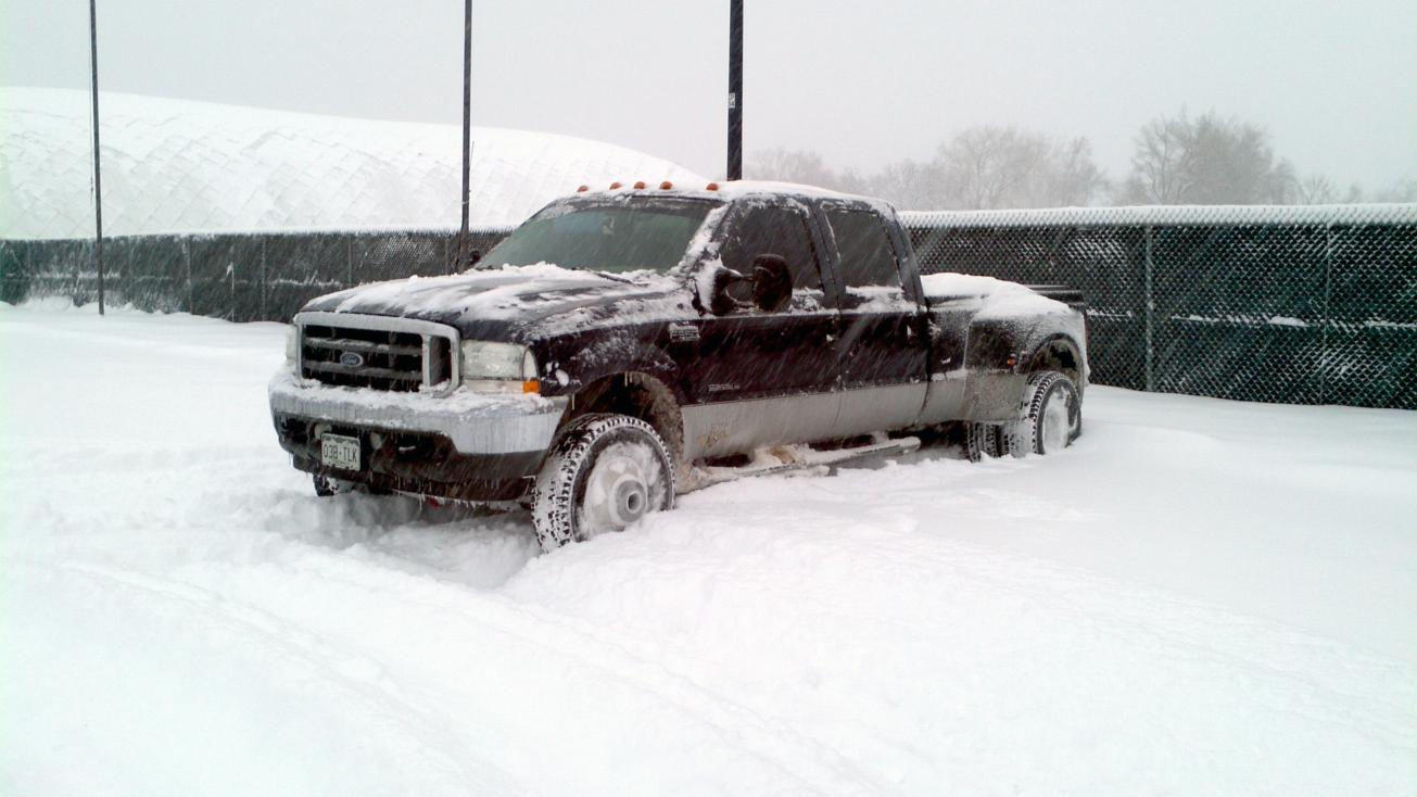12-22-11 Snow Pics Anyone?-cold-winter-truck.jpg
