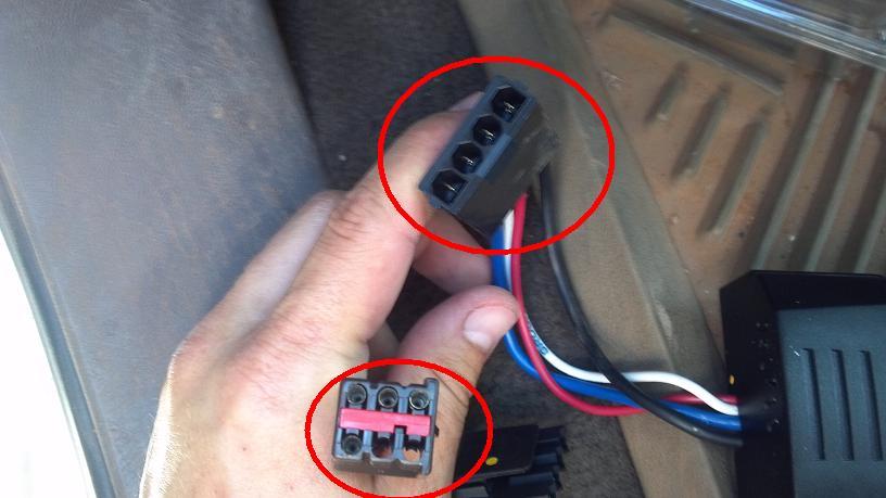 Brake Controller harness plug?-controller-plugs.jpg