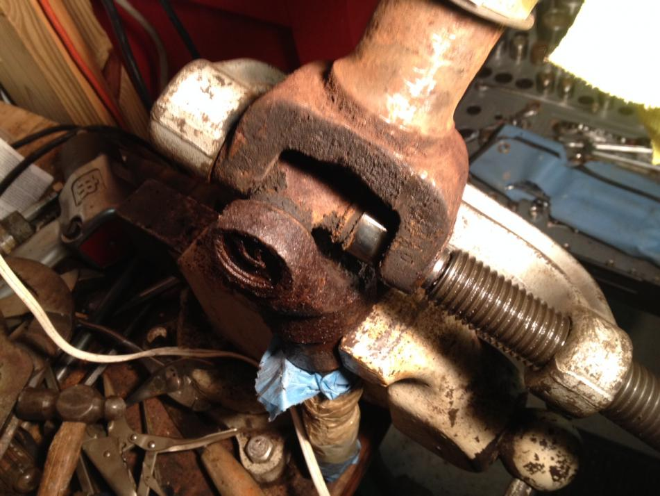 Need help with front end......doing U-joints, ball joints, etc.-d50rebuild10.jpg