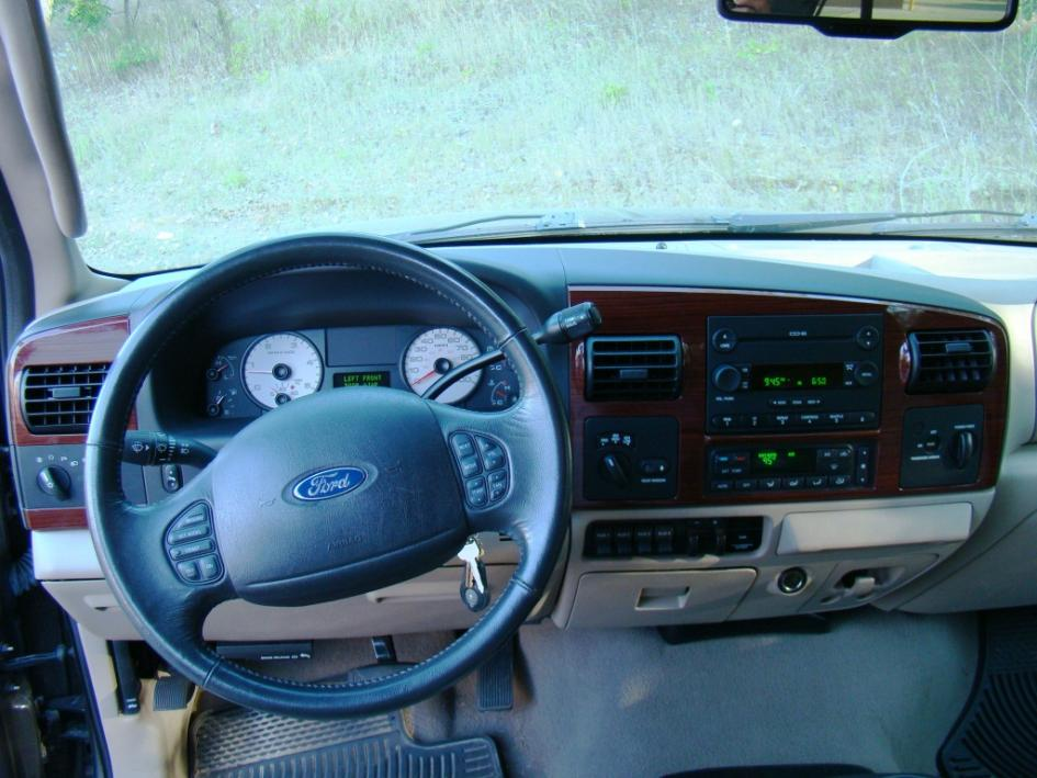 2006 with only 33,000 miles!-dash.jpg