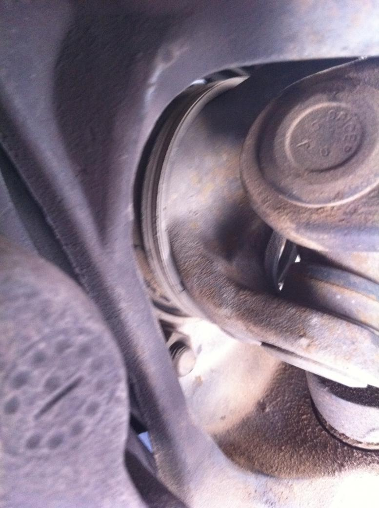 F-250 Wheel bearings....knuckle seal???-driver.jpg