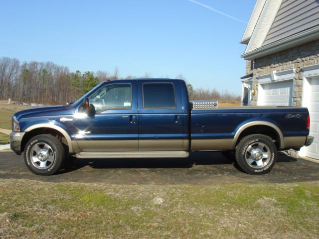 guys have any pics of lowered or stock hight F250 on some nice 20'' + wheels ?? thank-dsc00758.jpg
