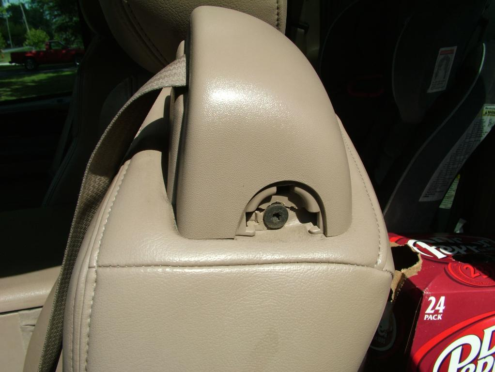 Need more seat belt tension. not recoiling all the way anymore-dscf6128.jpg