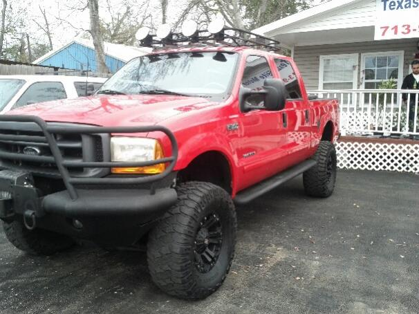 Need pics of red trucks with black wheels.-ford.jpg