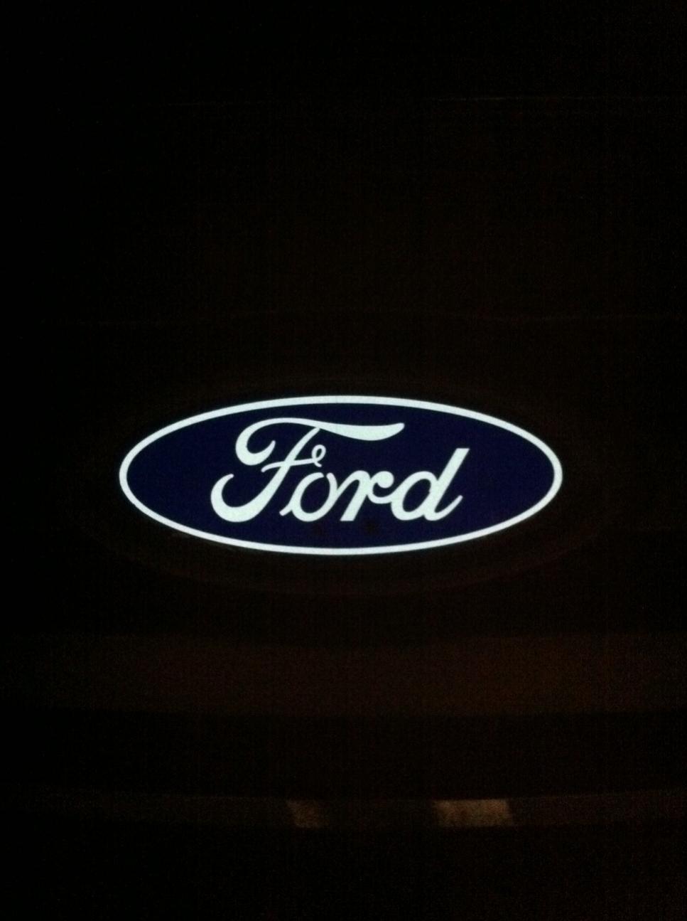 Front Emblem Mod-ford2.jpg