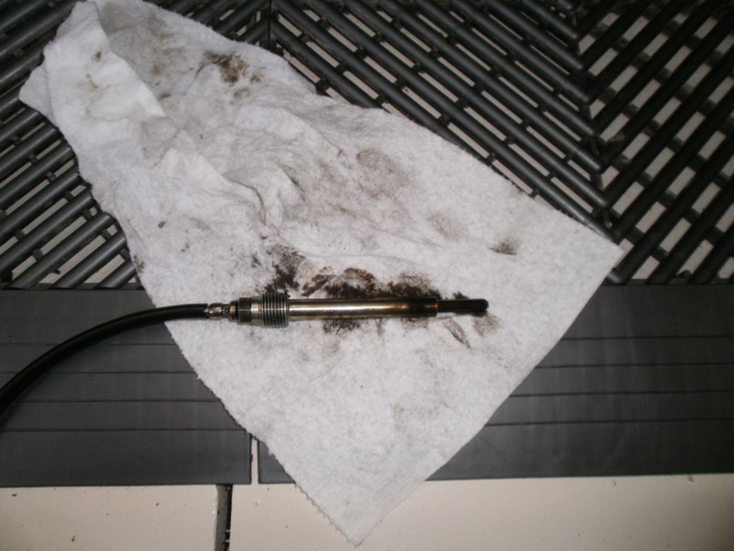 inner fender removal help-glow-plug-out.jpg