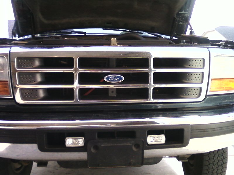 Off road lights on an OBS-grill2.jpg