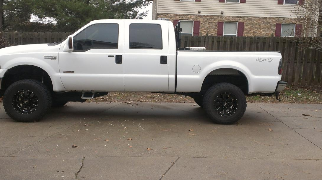 White truck/Black wheels-imag0077.jpg