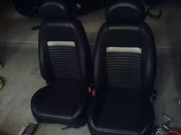 mach 1 seats in 95 f250??-images.jpeg