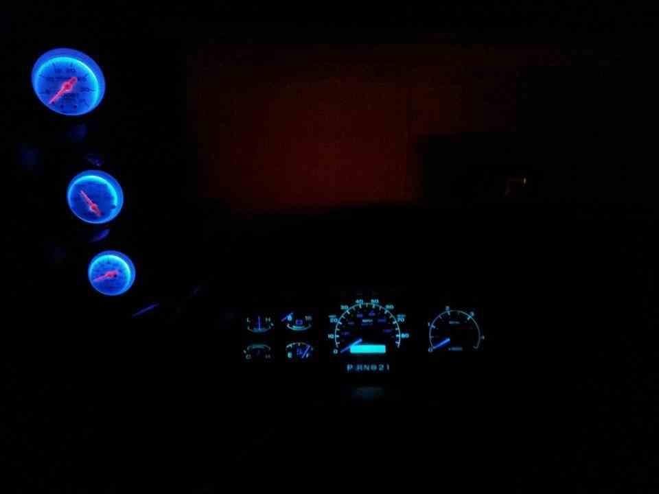 LED cluster Lights-imageuploadedbyag-free1361213127.826013.jpg