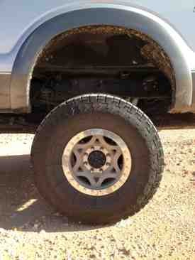Anyone running a 4.5 or 5 inch lift and 37s-imageuploadedbyautoguide1376344431.245108.jpg