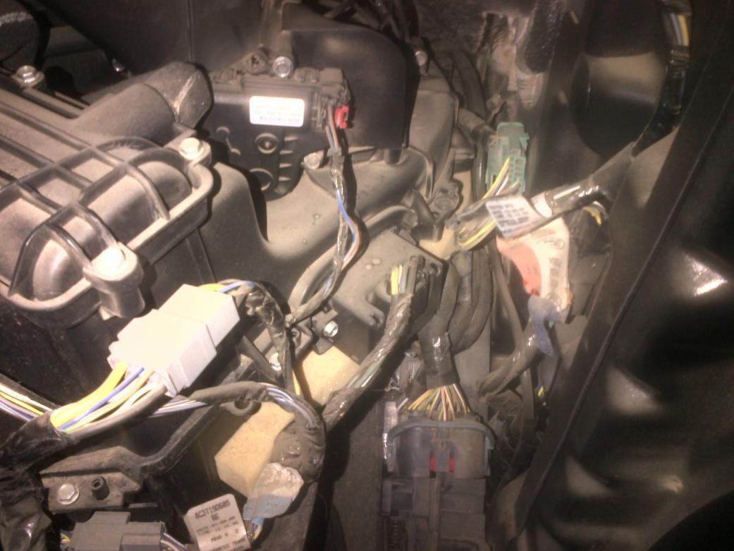 6 Door F350 >> Driver side blend door motor - Ford Powerstroke Diesel Forum
