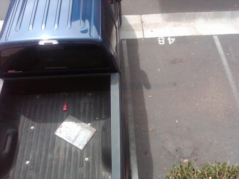 gotta love apartment complex parking-img00202-20090911-1105.jpg