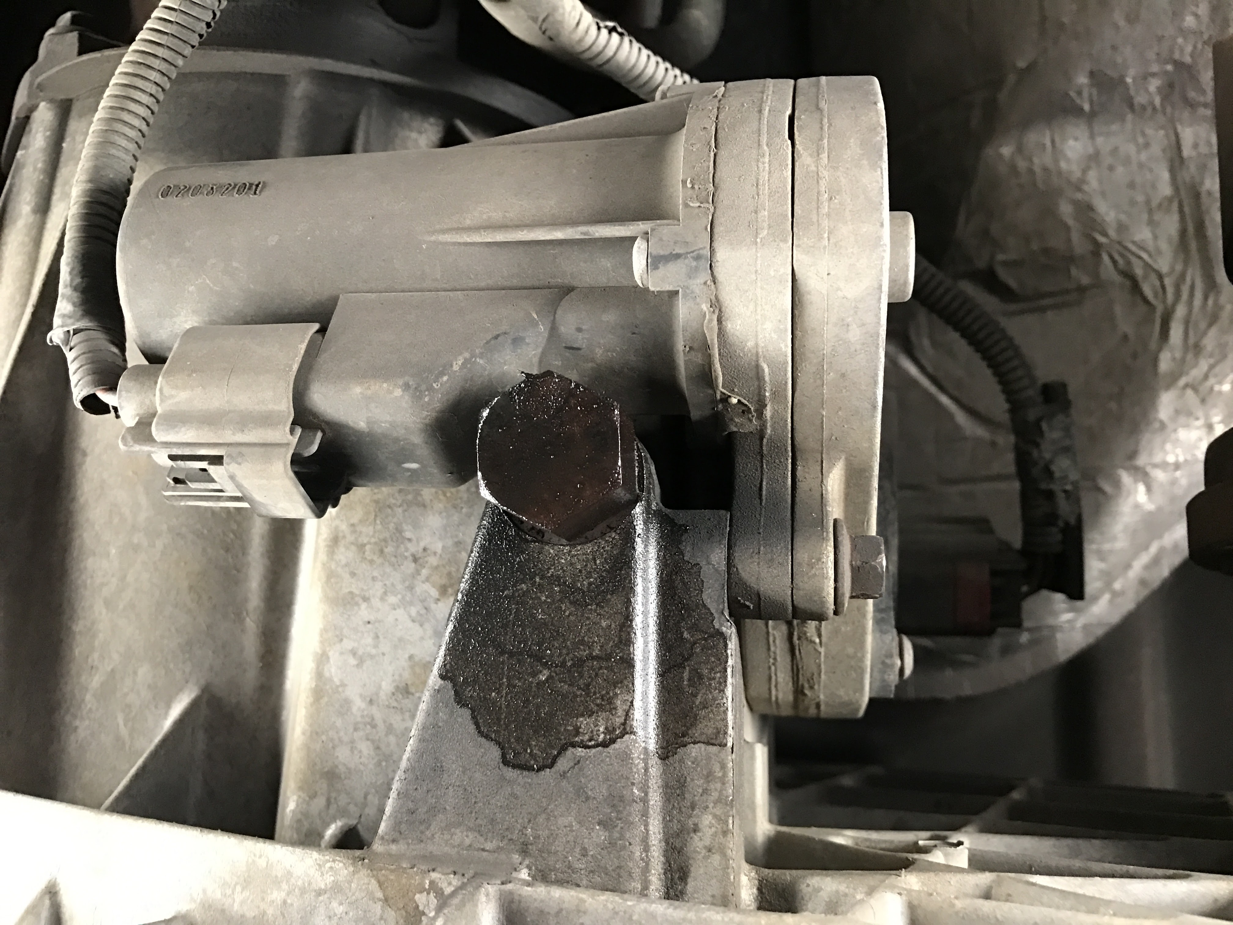 Transfer Case Leak Ford Powerstroke Diesel Forum F250 Fuel Filter Drain Click Image For Larger Version Name Img 0014 Views 134 Size 140