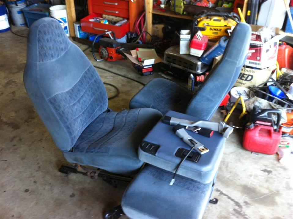 Seat swap on 97 OBS????-img_0319.jpg