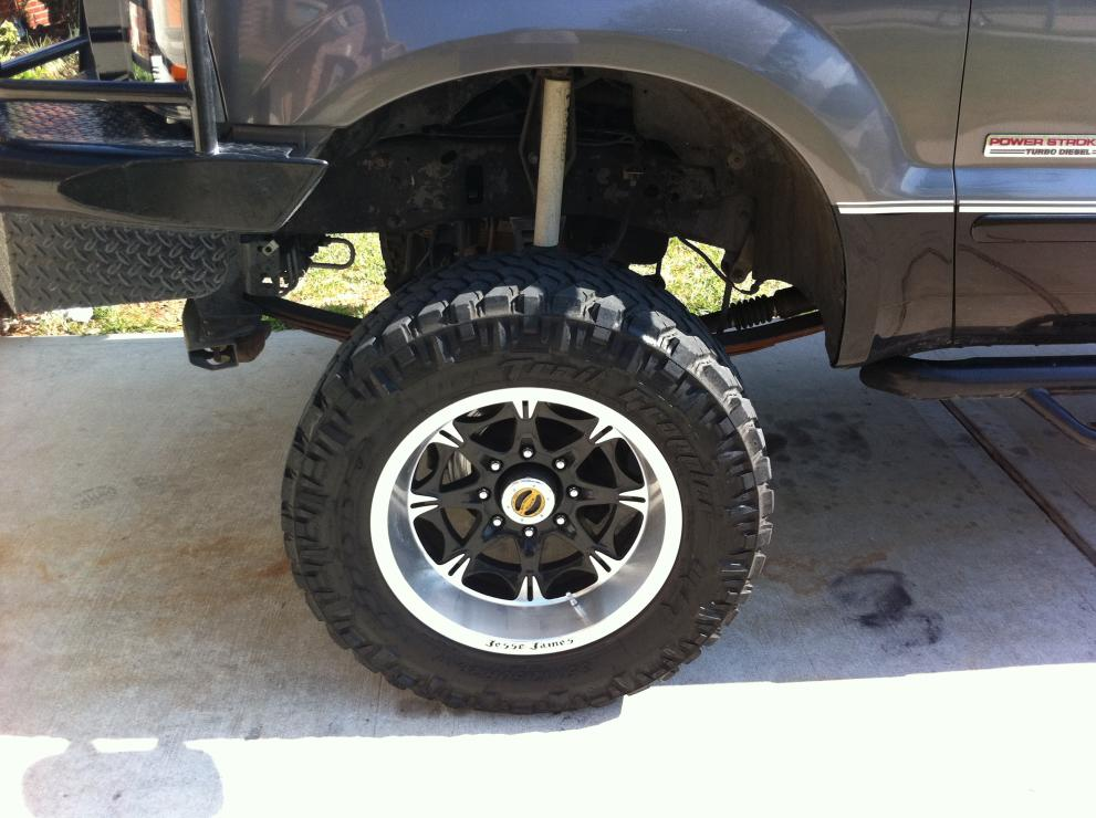 Tires look too small-img_0366.jpg