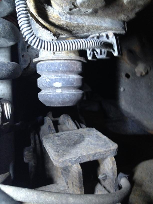 2005 2006 Banging Clunking Noise When Driving - Ford ...