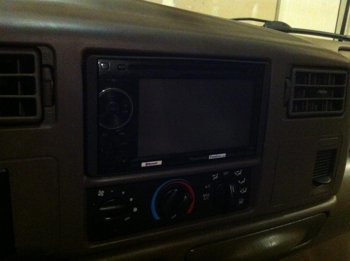 *Pictures of Pioneer 2400bt DVD/Bluthooth + Back Up camera Install-img_0595.jpg