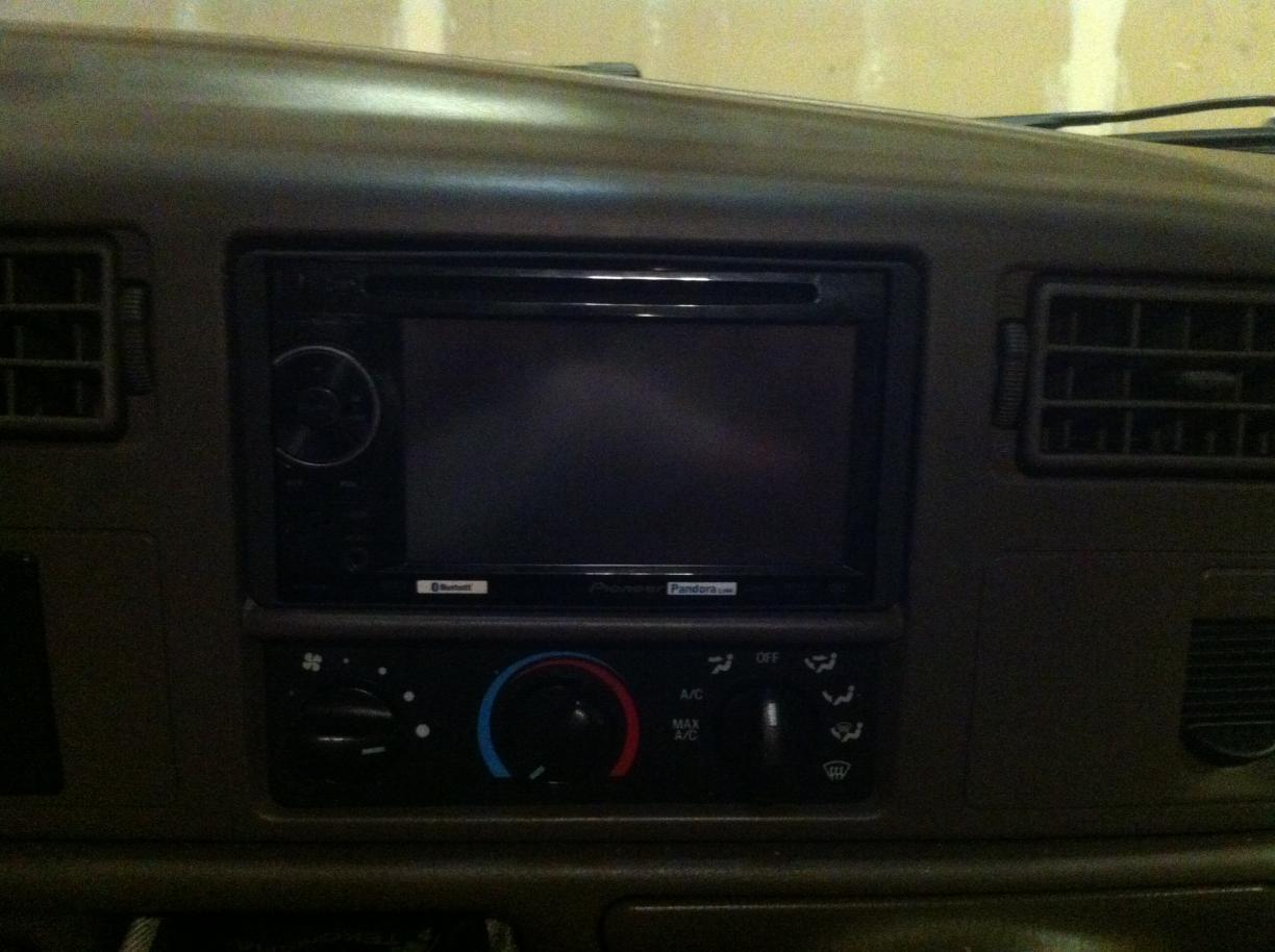 *Pictures of Pioneer 2400bt DVD/Bluthooth + Back Up camera Install-img_0596.jpg