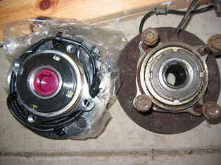 Early 99 F350 hub bearing vs. late 99-img_1408-2.jpg
