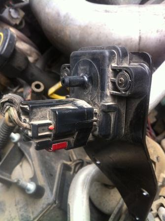 how to change or clean 7.3 powerstroke exhaust pressure sensor